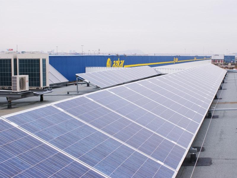 Nave log stica azkar levitec for Placas solares barcelona